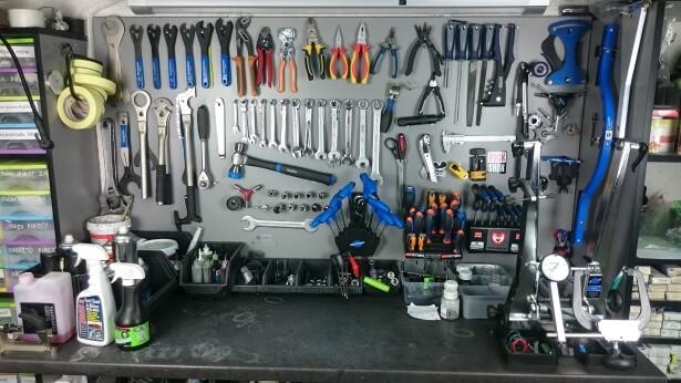 serwis rowerowy narzędzia